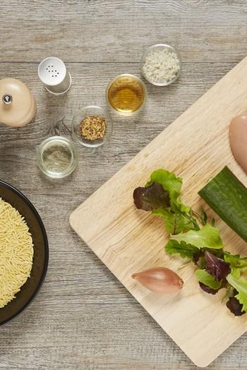 RECETTE ALPINA Salade d'avoines au poulet, sauce moutarde.
